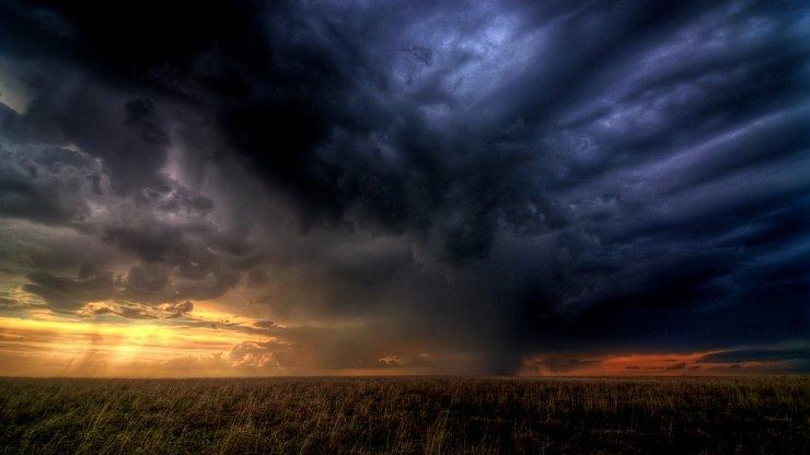 6946202-storm-clouds